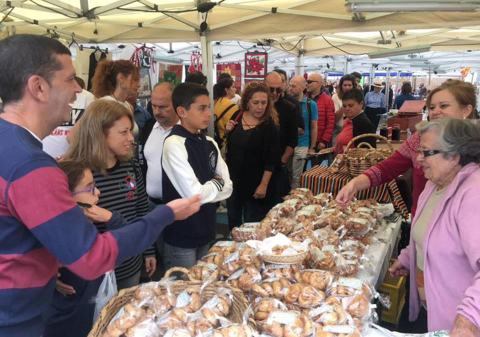 Más de 6.000 personas pasaron por la 12ª Feria de Artesanía, el Vino y la Castaña