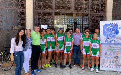 """La Victoria de Acentejo recibió la visita de los ciclistas del """"TOUR DE LA ILUSIÓN"""" en apoyo al autismo."""