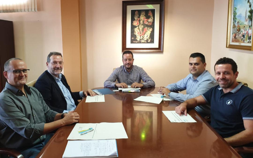 Reunión entre el Alcalde de La Victoria de Acentejo y el Director de Telefónica en Canarias