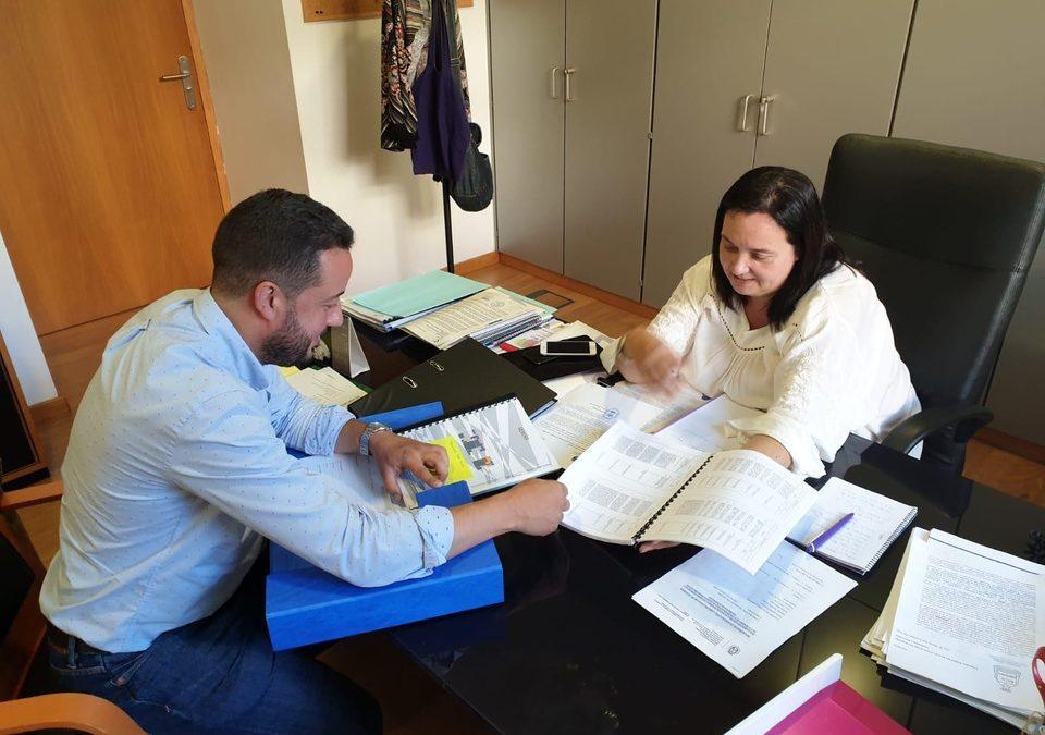 El alcalde se reúne con la consejera insular de Acción Social para desbloquear la Residencia de Mayores e impulsar otros proyectos sociales