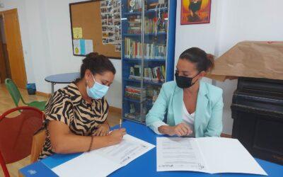 El Ayuntamiento de La Victoria firma un convenio para ayudar a jóvenes a buscar empleo